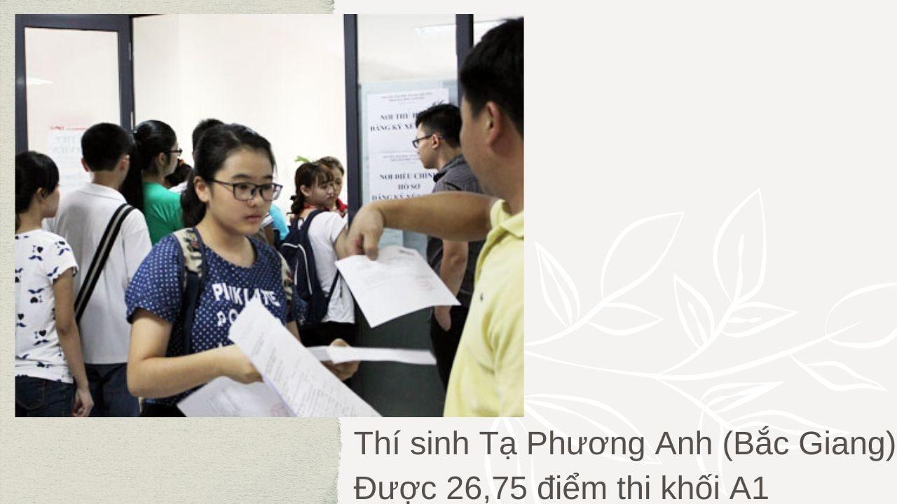 Thí sinh Tạ Phương Anh (Bắc Giang) được 26,75 điểm thi khối A1 sau thời gian xem xét kỹ phổ điểm của hồ sơnộp vào Đại học Ngoại thương mớiquyết định đăng ký xét tuyển. Ảnh: Quỳnh Trang.