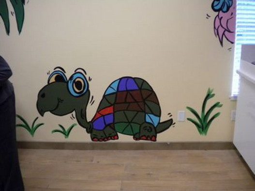Cute-Turtle-Wall-Murals-Ideas-for-Kids-527x395