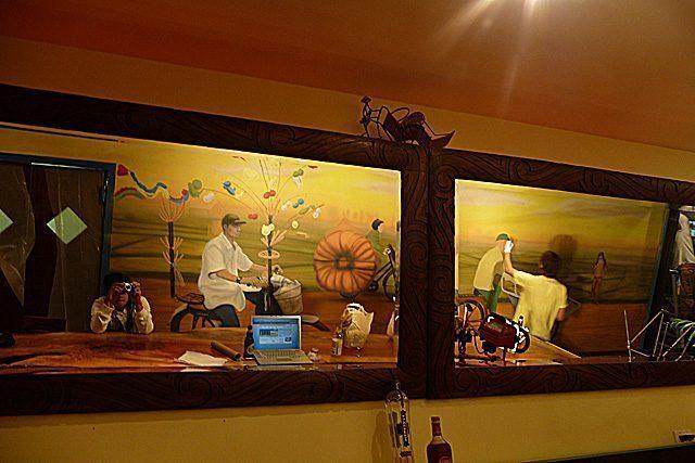 an nhau mural williamsburg new york - Vẽ Tranh Tường Nhà Hàng Bar