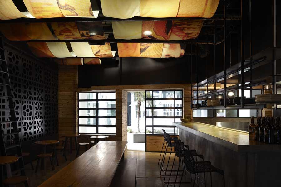 mopho noodle bar h101011 2 - Vẽ Tranh Tường Nhà Hàng Bar