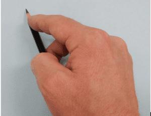 10 300x230 - Nghệ thuật vẽ tranh trắng đen bằng bút chì