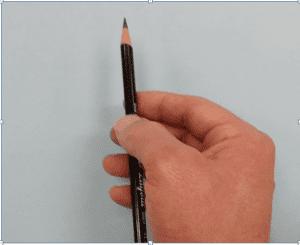 8 300x245 - Nghệ thuật vẽ tranh trắng đen bằng bút chì