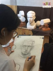 Học-vẽ-luyện-thi-Kiến-trúc-Mỹ-thuật