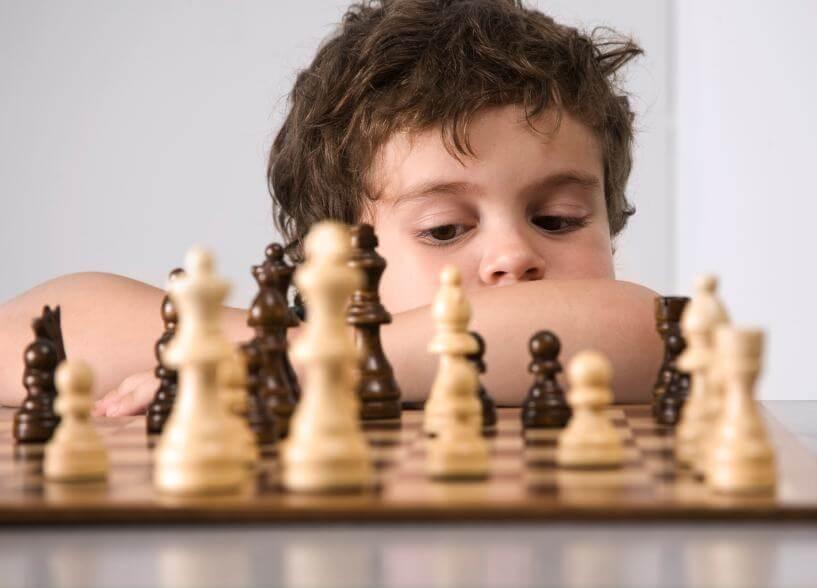 Cờ vua giúp tăng IQs của trẻ.