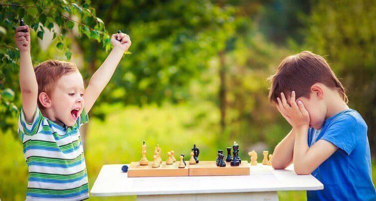 10 lợi ích Dạy chơi Cờ Vua ở trẻ em. 1